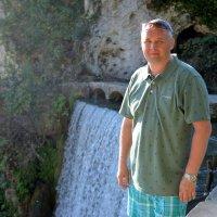 Я и водопад в Новом Афоне. Абхазия. :: Михаил Поскотинов
