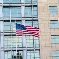 флаг на территории посольства. :: Евгений Ломтев