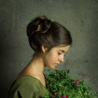Девочка с букетом :: Светлана Колимбет
