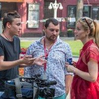 обсуждая съемку интервью... :: Svetlana AS