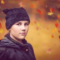 Осень, доченька в парке. :: Alex Lipchansky