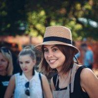 Девушка в шляпе :: Денис Будняк