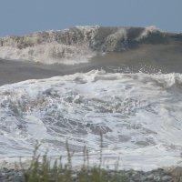 Черное море штормит. :: Oleg