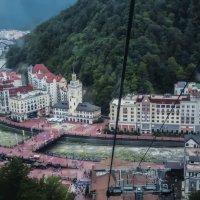 Вид на Красную поляну из кабинки фуникулера :: Виктор Филиппов