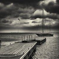 Штормовое небо над Таганрогом :: Вадим