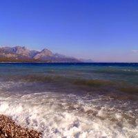 Волны , катятся волны , бьются о кромку земли . :: Мила Бовкун