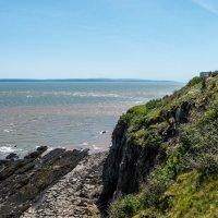 Залив Фунди,  маяк, скалы Hopewell Cape Rocks (Канада) :: Юрий Поляков