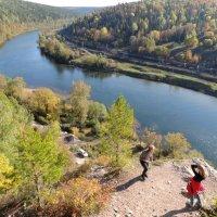осень на сылве 3. вид с горы ермак :: Константин Трапезников