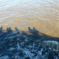 Прогулка по реке :: Nina Yudicheva