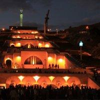Ночной Ереван :: Эдуард Цветков