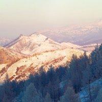 На горы зимние, взор Ваш, пусть неутомимым будет 12 :: Сергей Жуков
