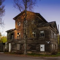здание бывший почтовой  станции :: Сергей Кочнев
