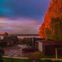 Сентябрьским вечером (вид из окна) :: Валерий Симонов