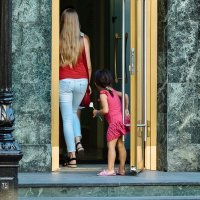 Дверь во взрослую жизнь. :: Артемий Кошелев