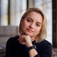 Утро в кафе... :: Ольга Егорова