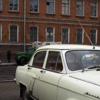 По улице Октябрьской :: Дмитрий Шишкин
