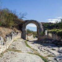 Арочные ворота Чуфут-Кале :: Варвара