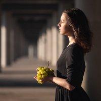 Девочка и виноград :: Екатерина Никифорова