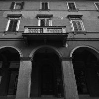 Будни старого дома... :: M Marikfoto