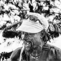 Бард с острова Маврикий! :: Александр Вивчарик