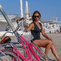 девушка и велосипед :: Андрей Козлов