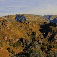 Утро в горах Приэльбрусья :: Vladimir 070549