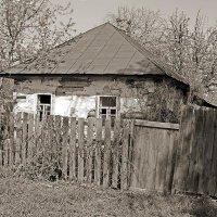 Брошенный домик :: Сергей Тарабара