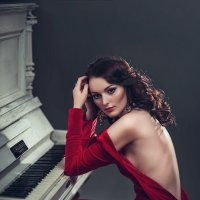 Lady in red :: Vitaly Shokhan