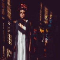 Невеста в образе Фриды :: Екатерина Молькова