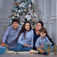 Новый год шагает по планете..... :: Юлия Масликова