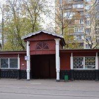 Самая старая трамвайная остановка. :: Oleg4618 Шутченко