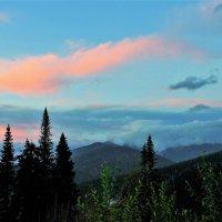 Вечернее небо над Муртинскими гольцами :: Сергей Чиняев