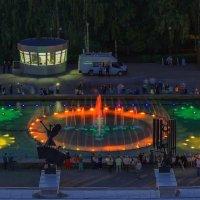 Фонтан на Центральной площади. Ижевск – город в котором я живу! :: Владимир Максимов