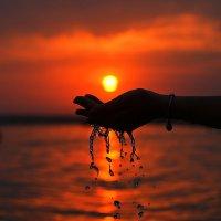 Время убегает, как вода сквозь пальцы :: Ксения ...