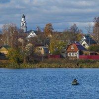 Осенью на озере :: Сергей Цветков