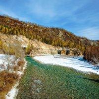 Внизу сибирская река :: Анатолий Иргл