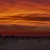 Восход над развалинами :: Сергей Рычков