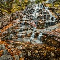 Хрустальные струи осеннего водопада. :: Slava Sh