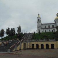 Лестница к храму в Старом городе. Витебск. :: Татьяна