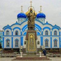 Памятник Святителю Тихону Задонскому :: Elena Izotova