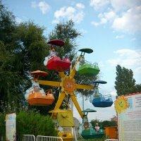 Детское колесо обозрения :: Вера Щукина