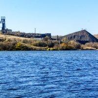 Озеро у шахты :: Юрий Шапошник