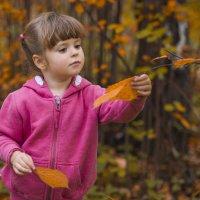 Осень и Даша :: Виктор Твердун