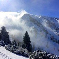 Там снег, там туман, там много страстей, там горы, там небо, там мало людей... :: Anna Gornostayeva