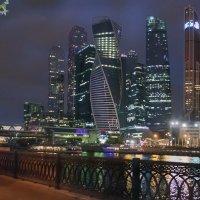 Москва-Сити :: Алексей Окунеев