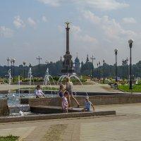 Купание в фонтане :: Сергей Цветков