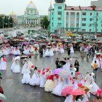 парад невест .г. Курск 2009 :: Евгений Старков