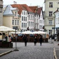 На улице в Старом Таллине :: Александр Яковлев