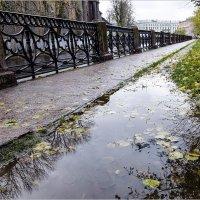 Осень в городе :: Александр