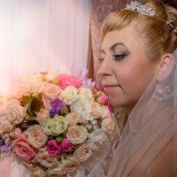 Ожидание в розово-персиковом свете :: Елена Тарасевич (Бардонова)